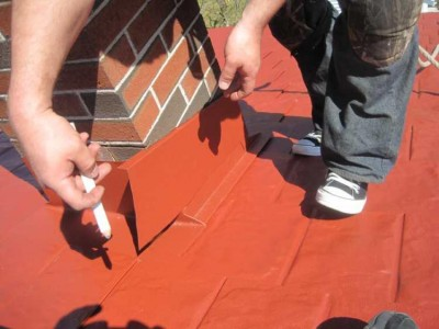Installinf Flashing to a Metal Roof