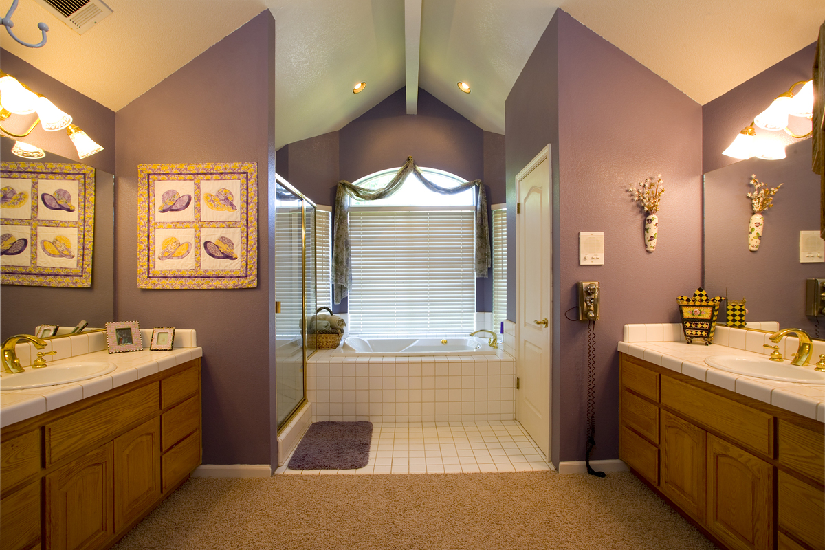 The right paint color for your bathroom how to build a house for Bathroom ideas color schemes
