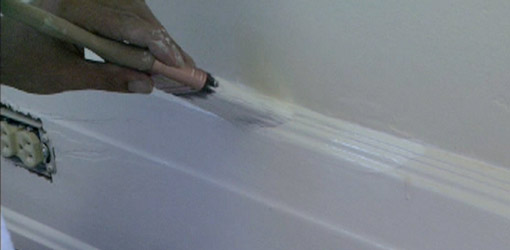 Painting baseboards in a carpeted room how to build a house for Cost to paint baseboard