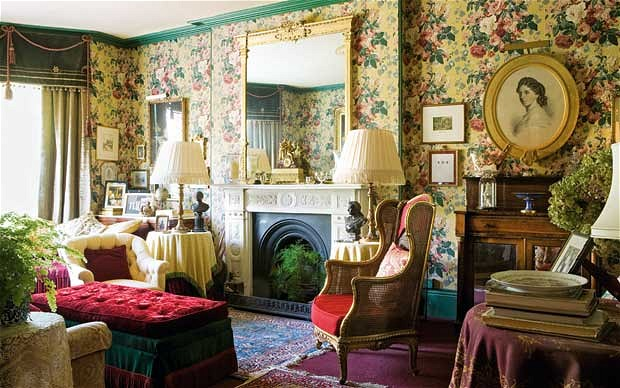 How To Decorate Victorian-Style