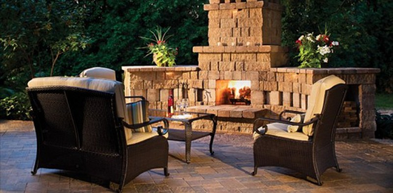 Outdoor fireplace considerations how to build a house for How to build a small outdoor fireplace